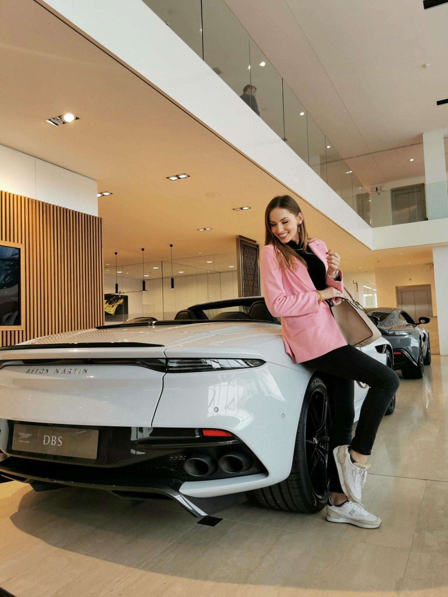 Aston Martin DBX SUV- A modern masterpiece 17