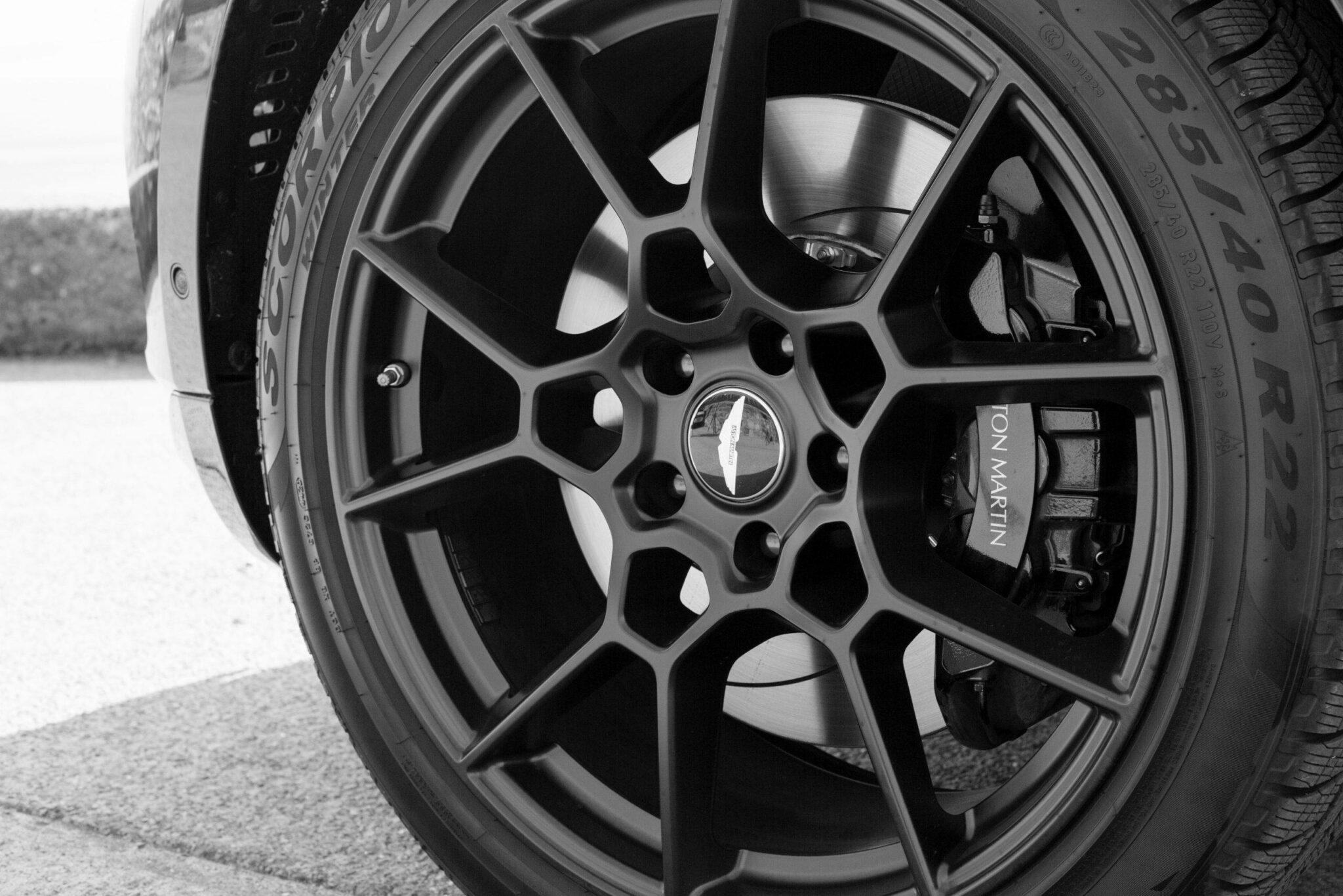 Aston Martin DBX SUV- A modern masterpiece 4