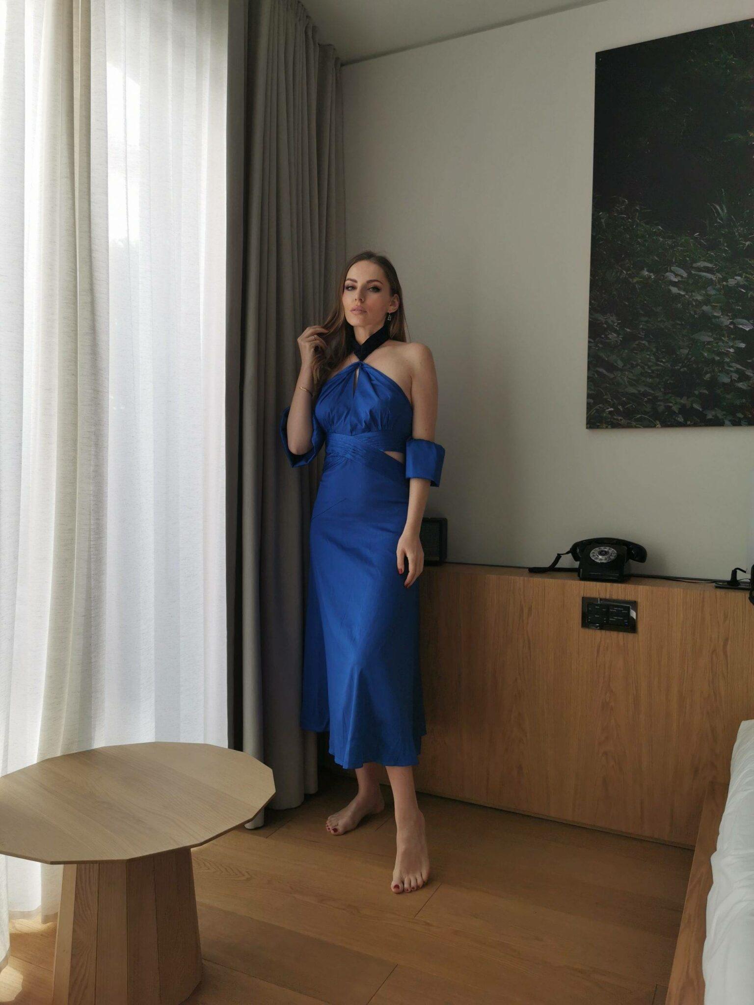Bella Zofia wearing Three Floor Her majesty dress  Maxi dress Spring Summer 2021 trend