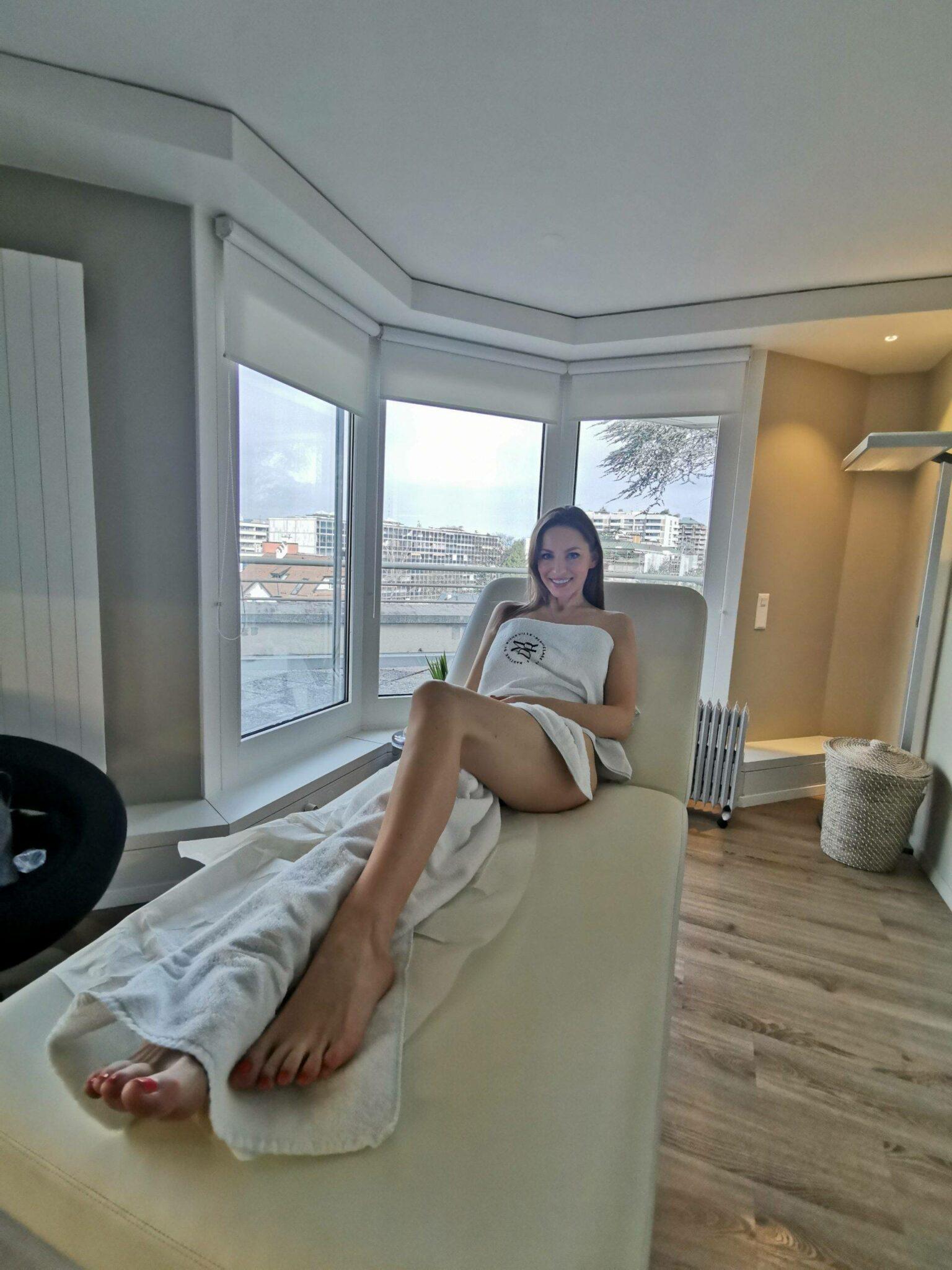 Geneva based beauty blogger Izabela Bella Zofia after treatment Martine de Richeville
